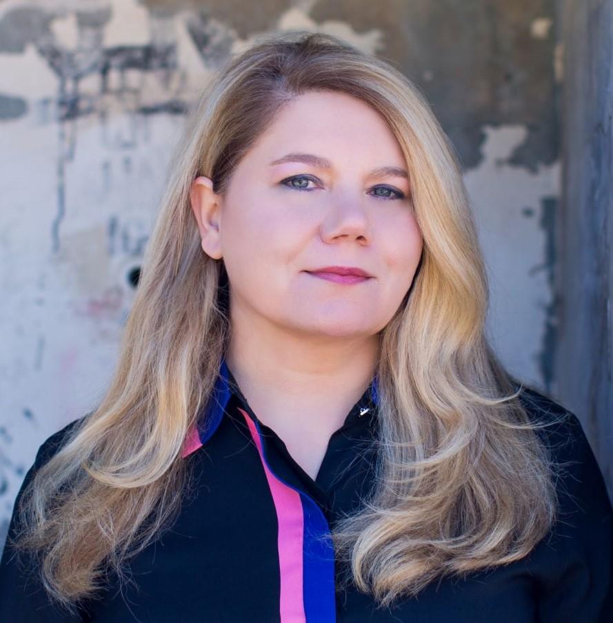 Dr Lara Honos-Webb portrait